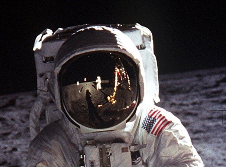 Aldrin_Apollo_11_head